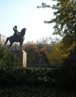 man and horse statue