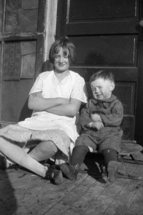 Alta and Glen @ 1933